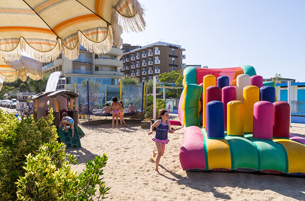 Beach Hotel Apollo- OFFERTA Genitore Single + bambini