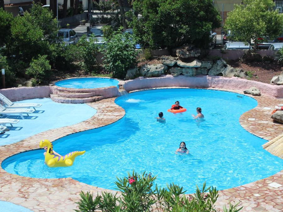 Club Family Apart Hotel Costa Dei Pini