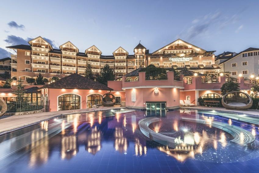 Family Spa Grand Hotel Cavallino Bianco ★★★★S