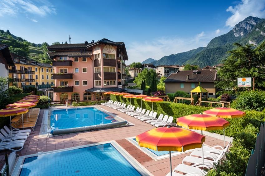 Kinderhotel Adriana - Pasqua sul Lago di Ledro con speciale promozione 7=6!