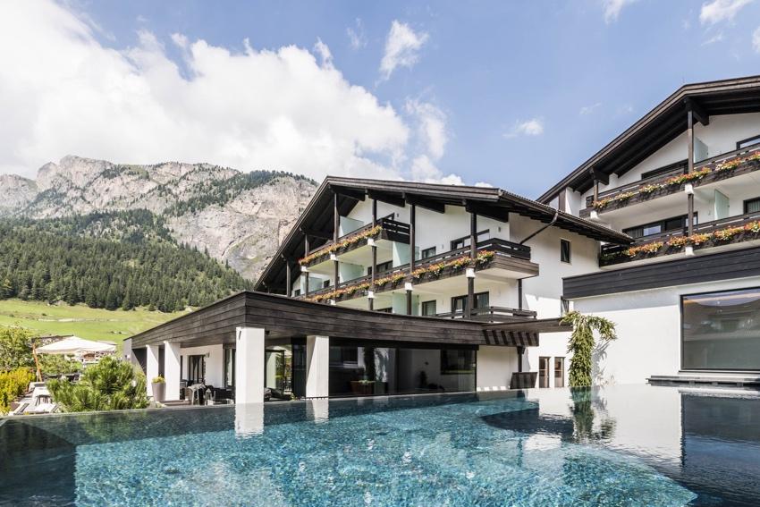 Family Hotel Biancaneve ****s - Selva di Valgardena